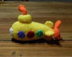 Submarino Amarillo Amigurumi - Patrón Gratis en Español ( 2 páginas) aquí: http://de.slideshare.net/daxarabalea/submarino-amarillo?related=6