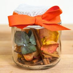 How to Make Homemade Potpourri- this will make any room smell fantastic! Perfect as a gift or to keep for yourself.