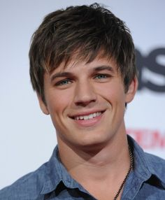Matt Lanter from 90210. Marry Me, please!