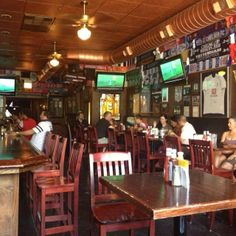 The Globe Pub in Chicago, IL: Plenty of TVs, great food, great service and three bars! Find more places to watch the World Cup in the USA: http://pin.it/AeGWA1a