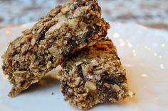 Heavenly Chewy Granola Bars (coconut oil, maple syrup, chia, quinoa flakes, cinnamon