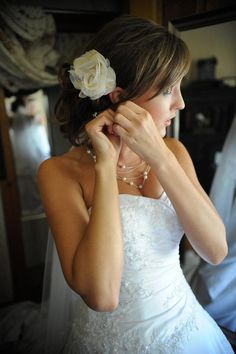 thirty-one rosette clip in the bride's hair.