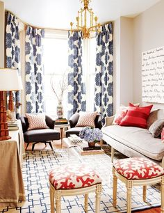 red white and blue, plus we spot coral ottomans.  What a chic small space