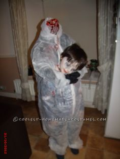 Last-Minute Headless Child Costume... This website is the Pinterest of costumes