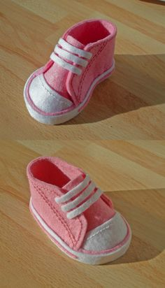 Felt baby shoe for decoration