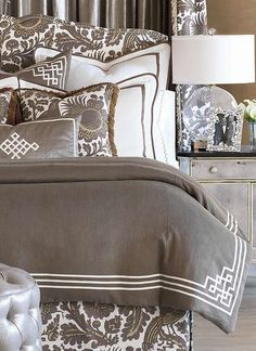 The Scalamandre Haveford Marron Bedding Collection brings dramatic beauty and sophistication to your master suite with bold patterns and soothing colors.