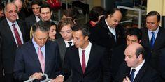 O Presidente da República, Anibal Cavaco Silva com Luis Onofre, em visita oficial à fábrica do criador