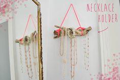 DIY: Necklace organiser