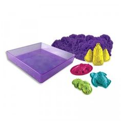 With this set, kids can play with and mold their Kinetic Sand in a contained area that includes four sea-inspired molds.