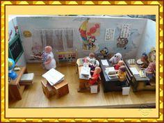 Miniature schoolroom / classroom