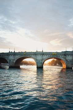 Pont Neuf sur la Seine.