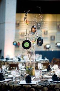 Motown party ideas on pinterest vinyl records music for Record decoration ideas