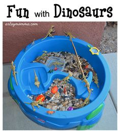 bradyn fun, sensori activ, sensory activities, small world play, dinosaurs, dinosaur small, dinosaur theme