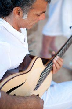 Acoustic Guitar bbndb