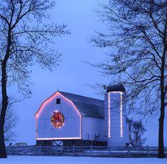 ♥ barn all lit up for Christmas