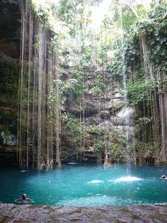ikkil cenote in chichen itza mexico