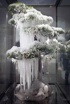 Frozen Pine (2011) by Azuma Makoto