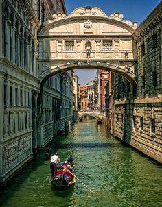 Bridge of Sighs, Venice, Italy  (byDavid Ruiz Luna)