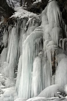 This frozen waterfall near Turnagain Arm, Alaska looks like something straight out of Narnia. It may not be very large in size, but it's certainly one of the most magical places.