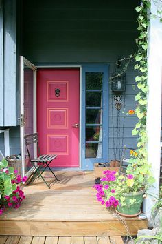 Oh, to have a pink front door!