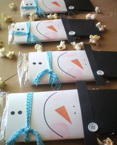 """Handmade Christmas Gifts. Snowman Popcorn Cover. """"Just popping by to wish you a Merry Christmas!"""""""