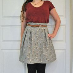 Paper bag skirt with pleats but no pleats right in front so no pooch!