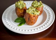 Carries Experimental Kitchen: Stuffed Baked Red Potatoes with Basil Pesto (Copycat) and a Giveaway