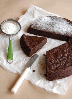 Bolo cremoso de chocolate e geleia de laranja // Chocolate marmalade slump cake -- Recipe in English: http://www.technicolorkitcheninenglish.blogspot.com.br/2013/07/chocolate-marmalade-slump-cake.html