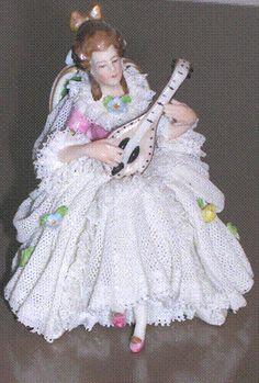 http://upload.wikimedia.org/wikipedia/commons/9/92/Dresden_figurine.gif #Dresden