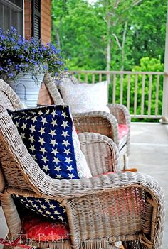 No sew pillow  Red, white and blue outdoor patio #fourthofjuly #memorial day #laborday