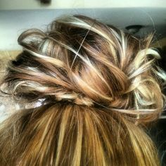 Redhead, Blonde, Highlights, Hair, MessyBun, Cool, Summer, UpDo