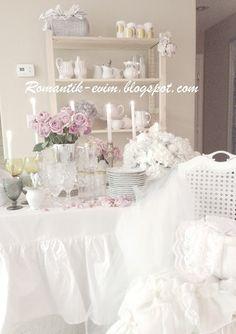 Shabby romantic dinner table
