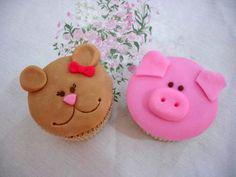 Nigella's vanilla cupcakes / Cupcakes de baunilha da Nigella by Patricia Scarpin, via Flickr