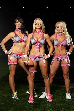 Mujeres de futbol americano en lenceria