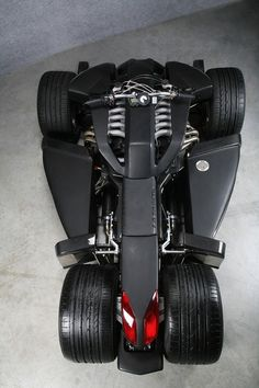Lazareth's Wazuma V12 Ferrari Engine