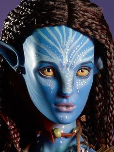 """#pinned Neytiri from our Avatar Collection set - a pair of 22"""" ball-jointed, hand painted, resin character figures. ^kv #dollchat"""
