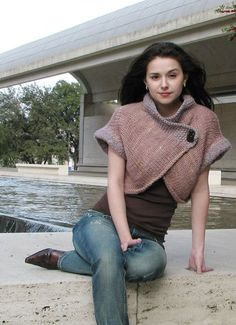 Nob Hill shrug by Ashley Adams Moncrie - free knit pattern on Knitty