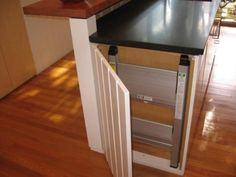 traditional kitchen Step stool hiding