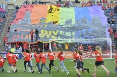 Reactions to a Ruined Chicago Fire Game: MLS News http://sports.yahoo.com/news/reactions-ruined-chicago-fire-game-fan-view-074000210.html