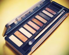 i love this palette of neutrals. [urban decay]