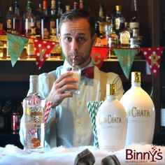 Confessions of a {Festive} Mixologist: Kissed Chata #DIY #Cocktails #Holiday #RumChata #CaramelVodka