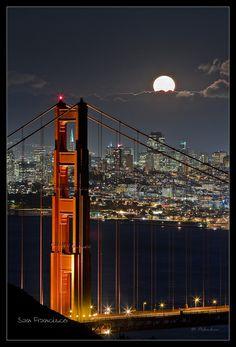 ✯ Full Moon over the Golden Gate Bridge - San Francisco, CA