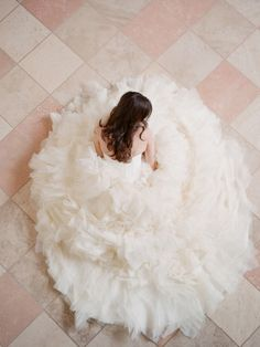 This beautiful shot captures the full skirt on this wedding dress.