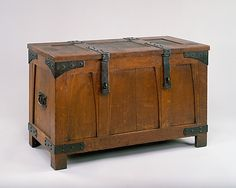 Gustav Stickley Chest circa 1903, oak, wrought iron, cider, 25.75 H. x 40.63 W. x 20.38 D.