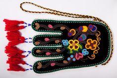 Modern Métis Octopus bag; beadwork, beading