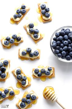 """Easy Blueberry """"Cheesecake"""" Bites -- all you need are 4 ingredients to make this quick and easy dessert/snack 