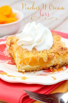 Delicious Peaches n Cream Bars - They're easy, delicious and perfect for summer! { lilluna.com }