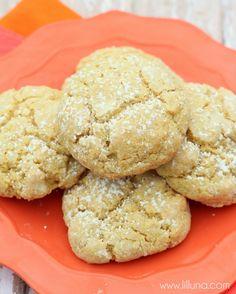 YUMMY Gooey Butter Pumpkin Cookies! { lilluna.com } pumpkin desserts & sweets, easy recipes