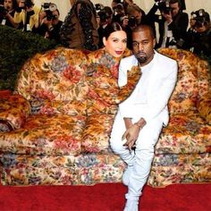 Does anyone else think her dress looks like a sofa?