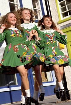 Irish Dancing, Derry-style, by unknown author. Repinned by WI/IE. _____________________________Do feel free to visit us on http://www.wonderfulireland.ie/north/derry/#/ for lots more pictures and stories of beautiful Ireland.